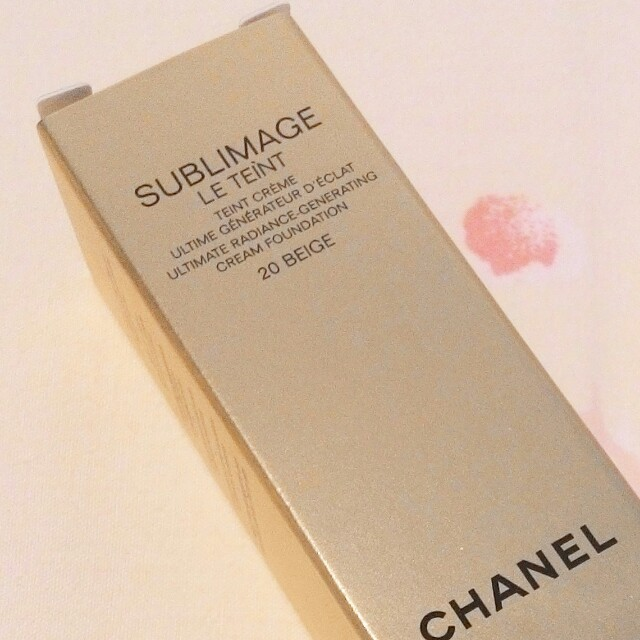 LESS EXTRA 30% - LAST DAY RM58 - 30% = RM40.60  CHANEL SUBLIMAGE LE TEINT  Ultimate Radiance - Generating Cream Foundation (With Diamond Powder for Luminous Skin)  Shades Available : B20 & B30  RM58 LIMITED TIME ONLY