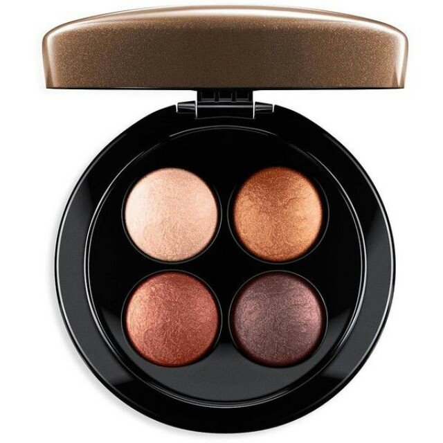 LESS EXTRA 30% - LAST DAY RM90 - 30% = RM63  MAC x JADE JAGGER MINERALIZED EYESHADOW PALETTE   RM90 LIMITED TIME ONLY (RETAIL RM200)  SHADE : GOLDEN SHINE  LIMITED EDITION & SOLD OUT IN STORE  100% AUTHENTIC & BRAND NEW IN BOX