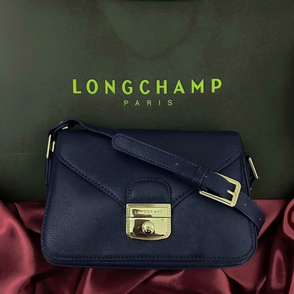 Longchamp Sling, Preloved Women s Fashion, Bags   Wallets on Carousell 84ca06369c