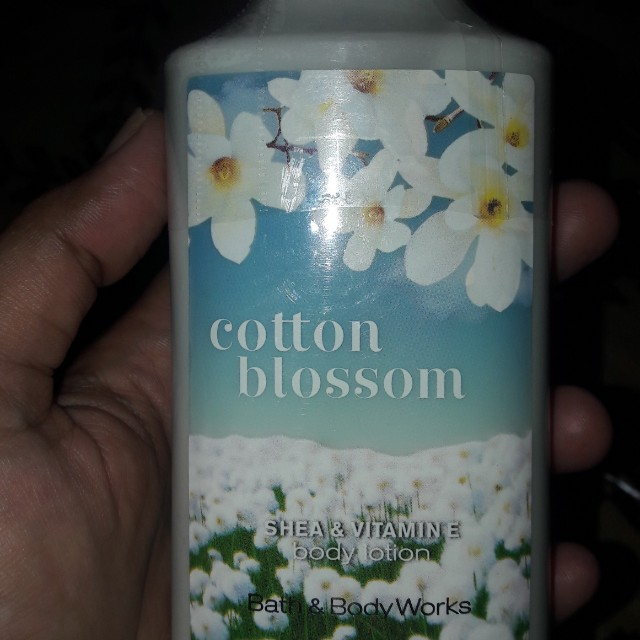 Lotion Bath and Body Works- cotton Blossom