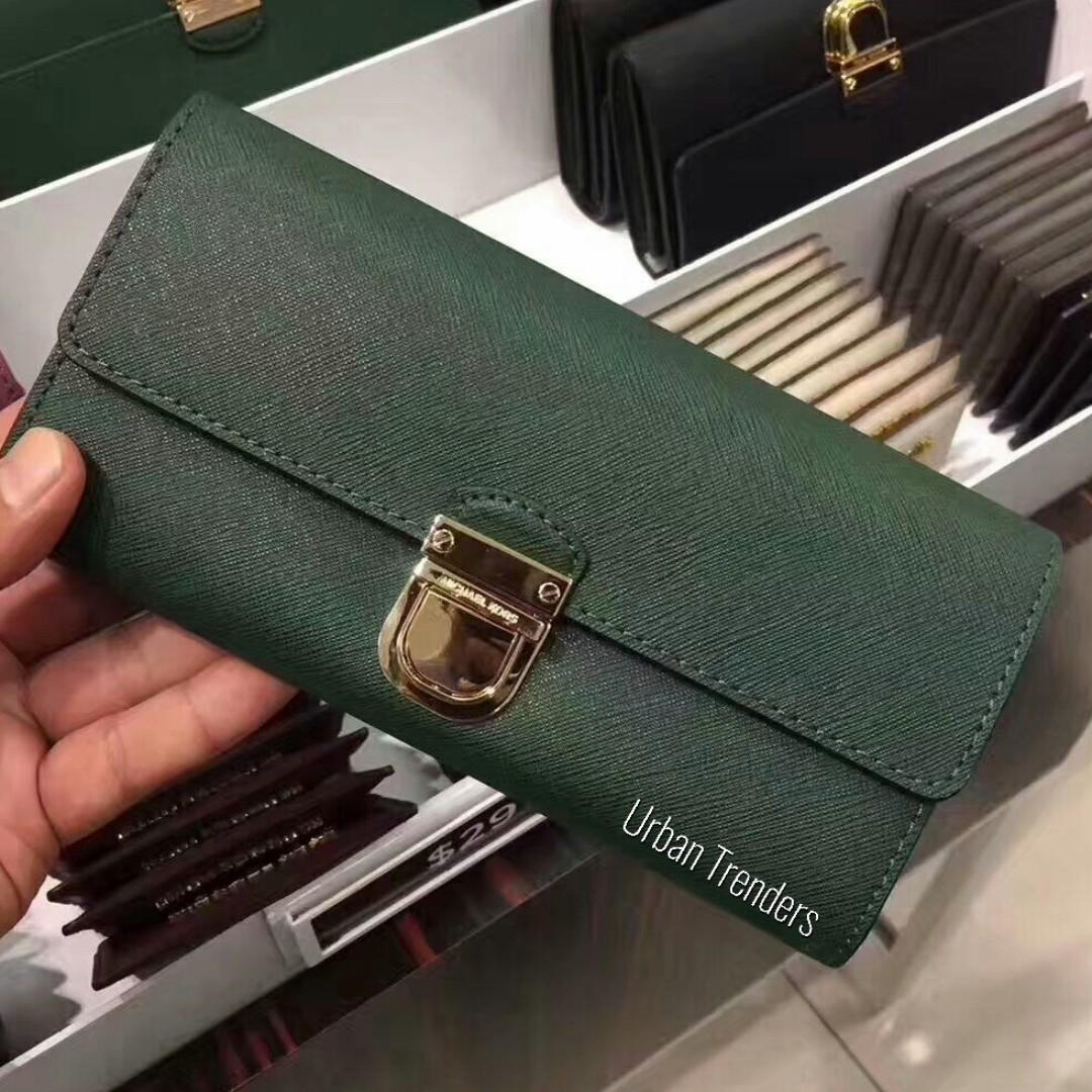 4ac5642c6882 Michael Kors Bridgette Flap Leather Wallet, Barangan Mewah, Beg dan Dompet  di Carousell