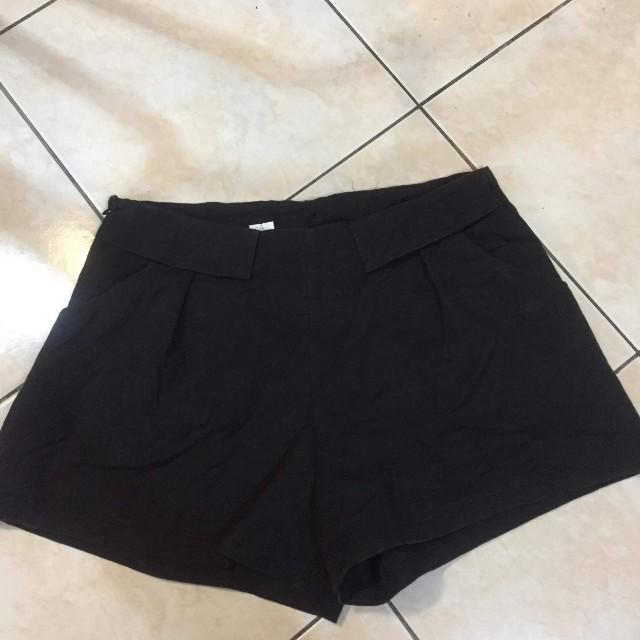 Mid-Waist Short
