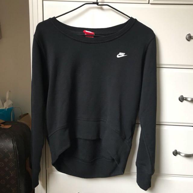 Nike前短後長上衣