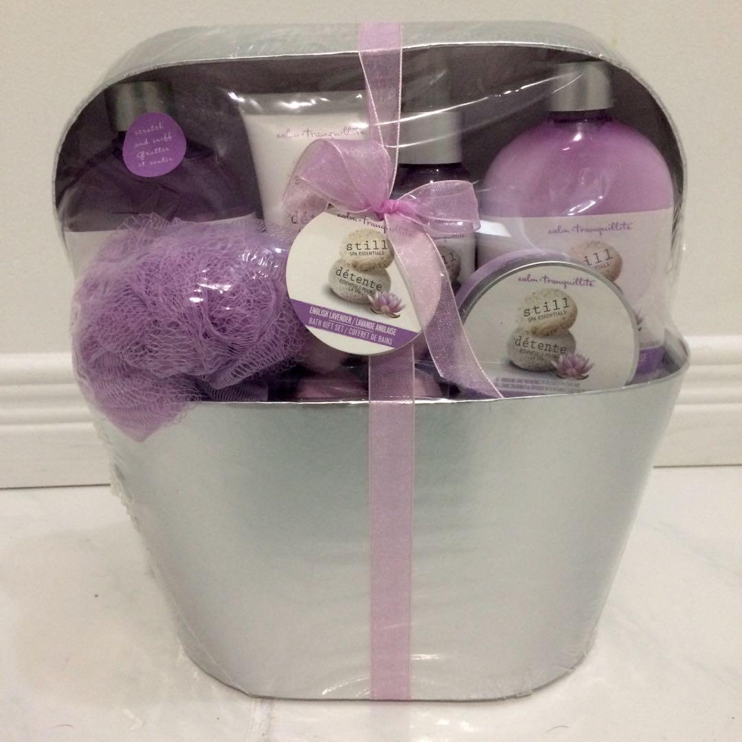 Purple bath gift set
