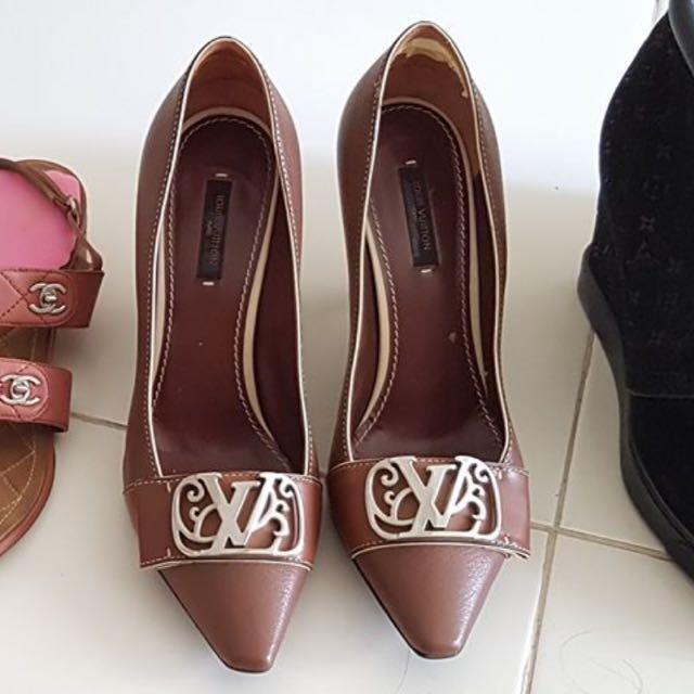 15c482b505c SALE! Pre Owned Original Louis Vuitton Shoes