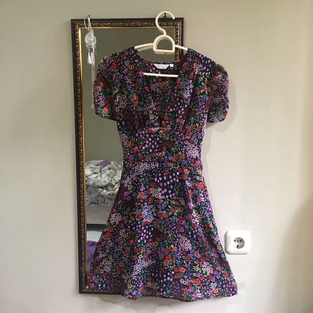 TOPSHOP Floral Plunged Dress