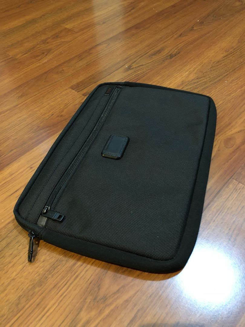 "Tumi Laptop cover 14"""