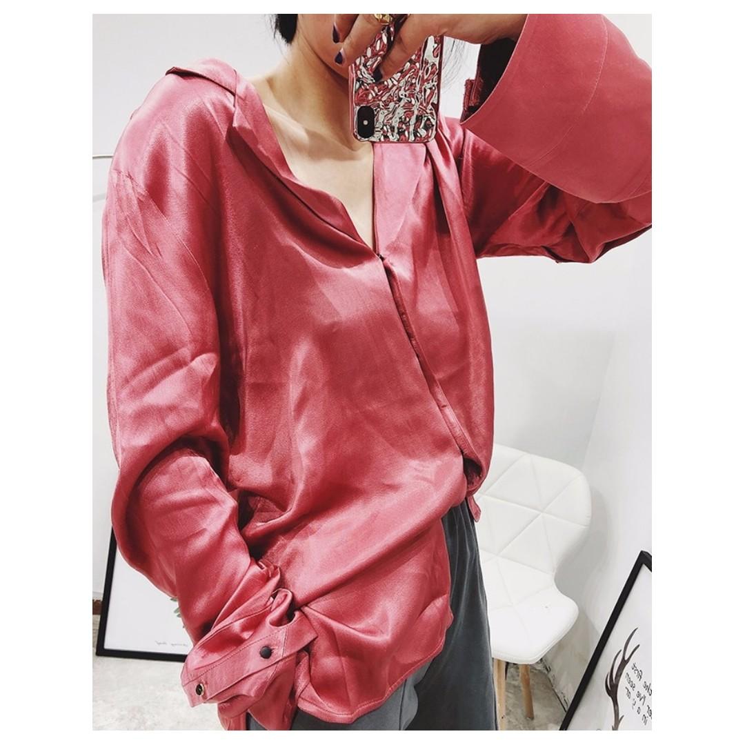 VM 2018春裝新款 亮麗復古 氣質時尚休閒 寬鬆緞面長袖 襯衫 2色