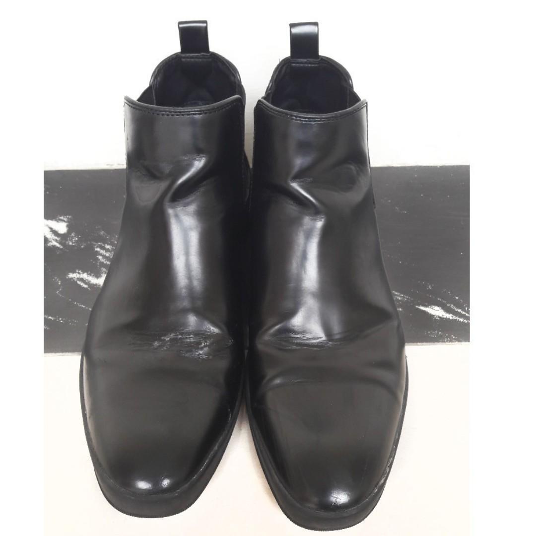 ZARA MAN 男高筒靴子$500