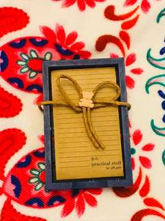 Gift gate paper with wood holder