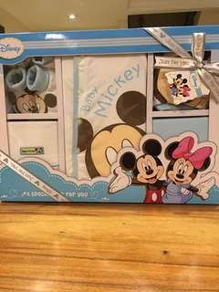 Baby Mickey gift set