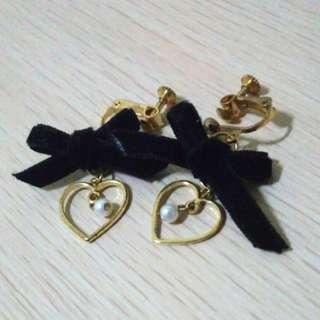 絨布蝴蝶結愛心珍珠耳夾
