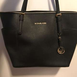 BRAND NEW Michael Kors jet set tote