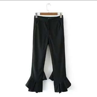 BNWT BLACK FLARE 7/8 PANTS
