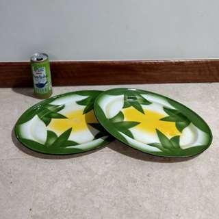 Vintage enamel serving plates