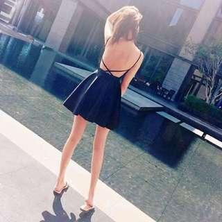 搬家出清!黑色露背洋裝