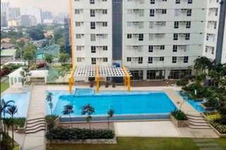 For rent unit in Vertis north