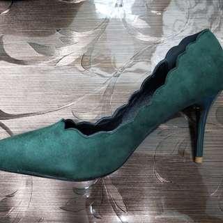 38號墨綠色尖頭鞋
