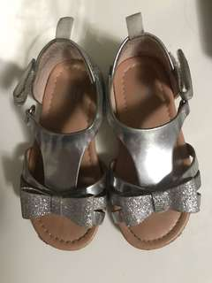 Baby/Girl silver shoe