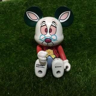 愛麗絲裡面-趕時間的兔子