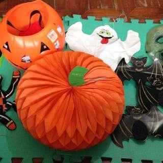 Assorted Halloween Decors