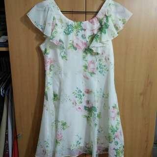 兩件九折。春日粉嫩綁帶玫瑰絲質質感洋裝