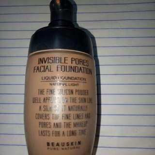 Invisible pores facial foundation