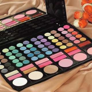Make up mac palette