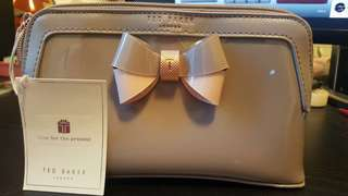 TED BAKER AIMEE CURVED BOW WOMEN'S MAKE UP BAG