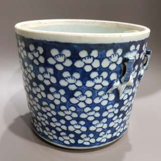 Vintage blue white pot