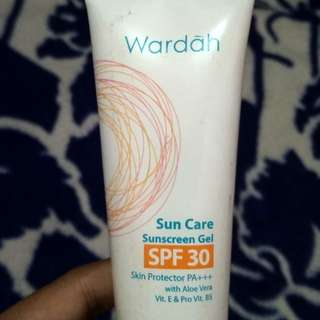 Suncare sunscreen gel