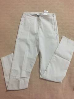 H&M white highwaisted pants
