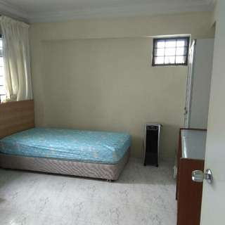 Room for rent in blk 842 jurong west st 81