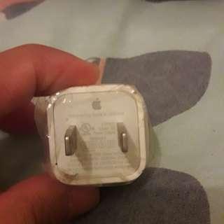 Authentic apple iphone adaptor