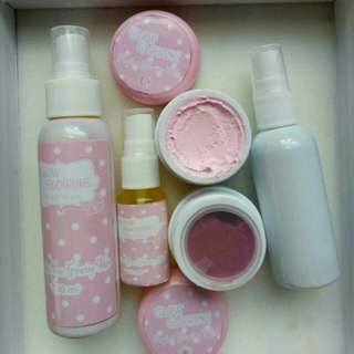 cream glowing pink