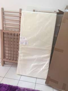 Sniglar cot with foam mattress