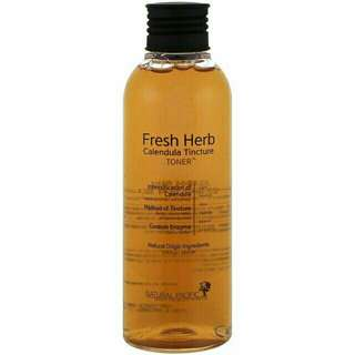 Natural Pacific fresh herb toner