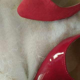 Red bundle shoes