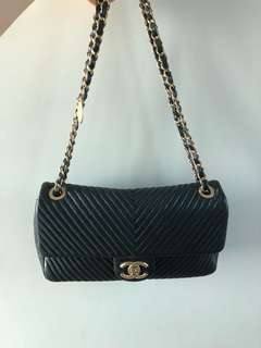 Chanel 小牛皮山形紋flap bag