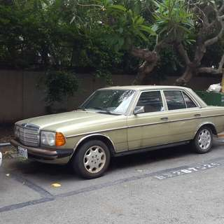 賓士W123