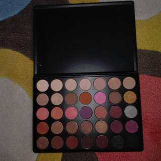 Morphe 35W Eyeshadow Pallete with free one month netflix