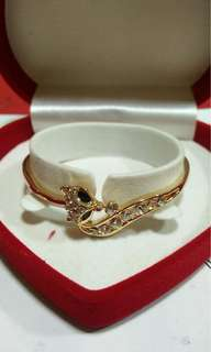 Ac Khong thong ninetails bangle 2560