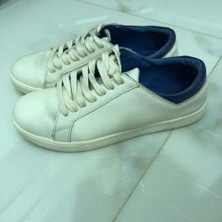 Preloved mango size 38 white sneakers blue back