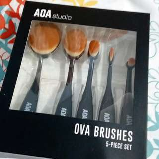 OVA BRUSHES SET