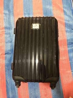 Carry on hard case luggage