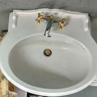 典雅洗手盆 Sink in toilet
