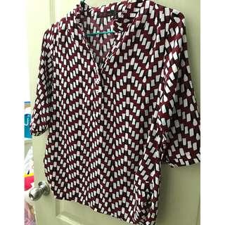 紅底白點涼襯衫