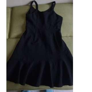 東京著衣mayuki/黑色魚尾吊帶裙,質感好,M號