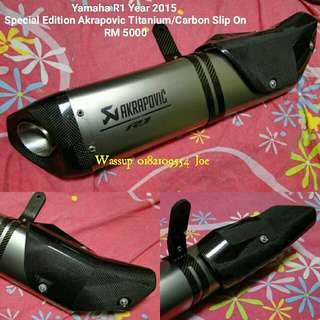 Special Edition Laser Print Akrapovic Titanium/Carbon Slip On  for Yamaha R1 2015 RM5000