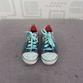 lightening shoes